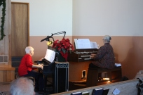 Organist and retired pianist play duet for worship